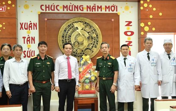 Đoàn lãnh đạo TPHCM thăm, chúc tết các đơn vị quân đội ảnh 5