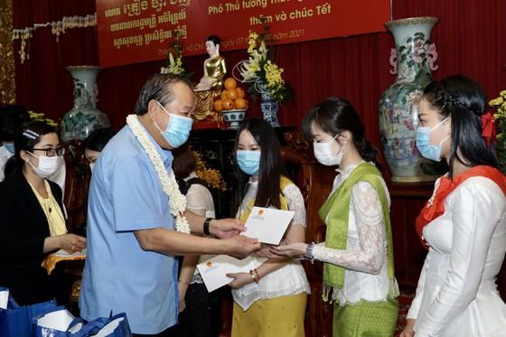 Phó Thủ tướng Thường trực Trương Hòa Bình thăm, chúc tết đồng bào Phật tử Nam tông Khmer ảnh 2