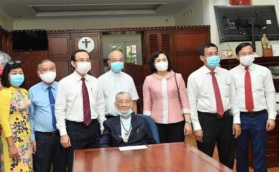Đoàn lãnh đạo TPHCM thăm, chúc mừng năm mới các vị chức sắc tôn giáo  ảnh 3