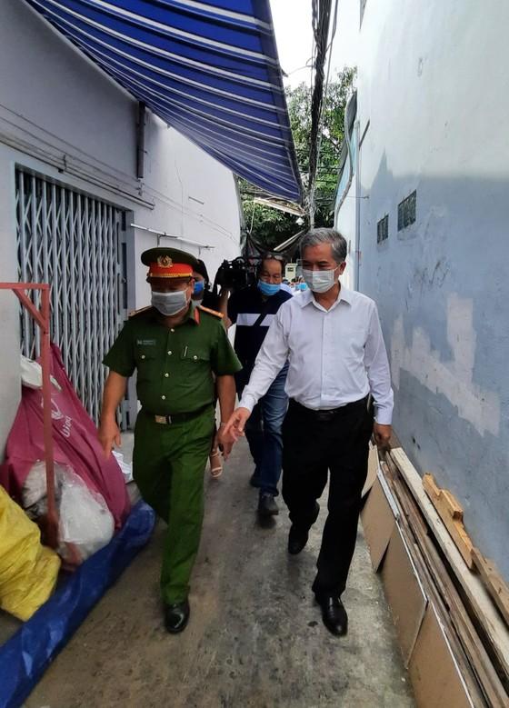 Lãnh đạo TPHCM thăm hỏi, chia buồn gia đình các nạn nhân trong vụ cháy tại quận 11    ảnh 5