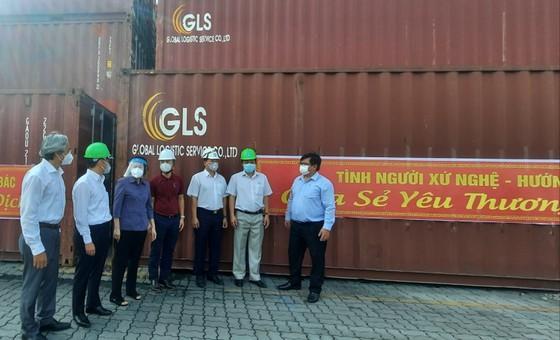 Nghệ An hỗ trợ gần 300 tấn hàng giúp TPHCM phòng, chống dịch Covid-19 ảnh 1