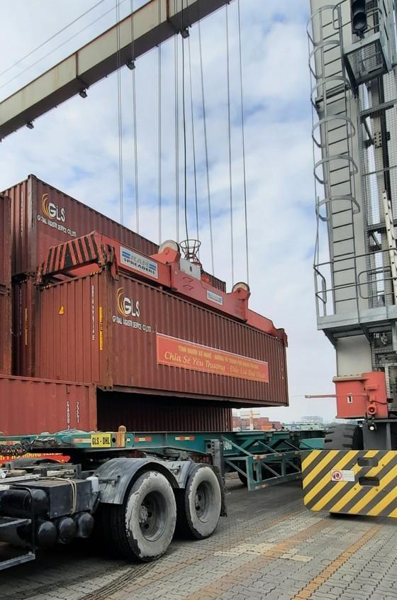 Nghệ An hỗ trợ gần 300 tấn hàng giúp TPHCM phòng, chống dịch Covid-19 ảnh 2