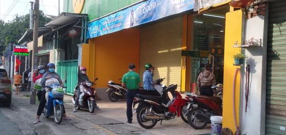Hoạt động kinh doanh ở Đồng Nai trở lại bình thường, trừ bar, vũ trường ảnh 1