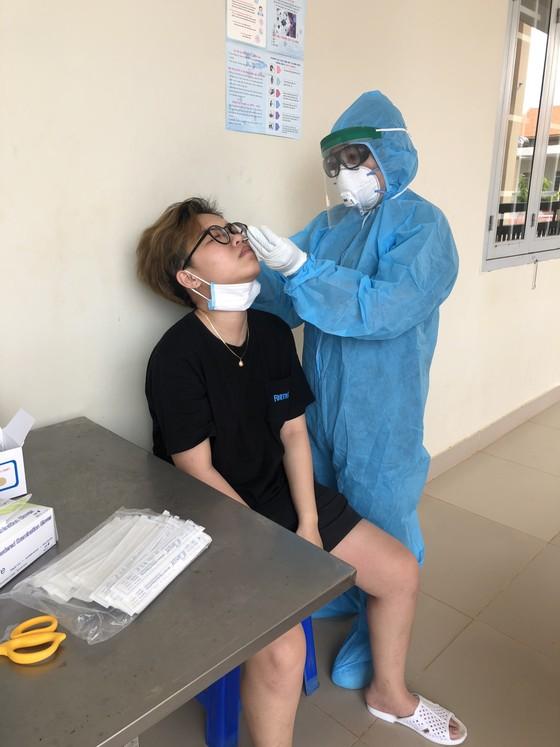 Đồng Nai: 308 công dân Việt Nam từ Hàn Quốc trở về kết thúc cách ly ảnh 1