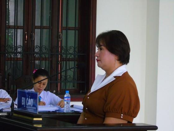 Bình Phước: Nhiều vấn đề tranh cãi tại phiên tòa xử Giám đốc phòng khám đa khoa Tâm Đức ảnh 1