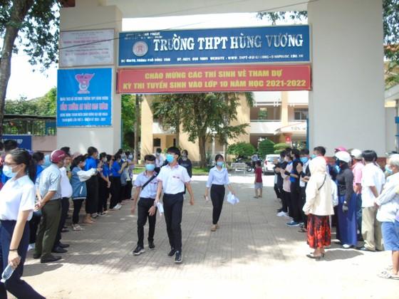 Kỳ thi tuyển sinh lớp 10 tại Bình Phước diễn ra an toàn, nghiêm túc ảnh 1