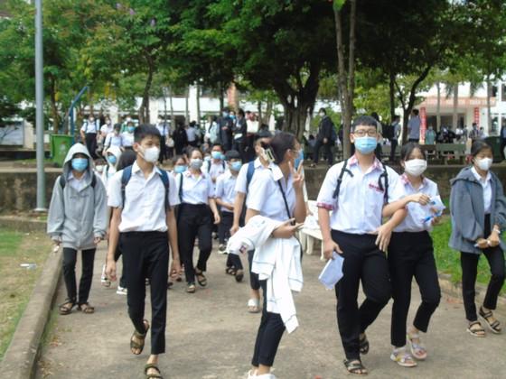 Kỳ thi tuyển sinh lớp 10 tại Bình Phước diễn ra an toàn, nghiêm túc ảnh 2
