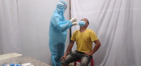 Người dân Bình Phước chủ động làm xét nghiệm SARS- CoV-2   ảnh 1
