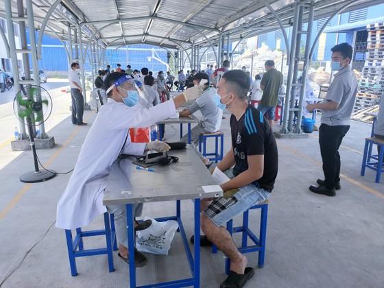 Bình Phước đẩy nhanh tiến độ tiêm vaccine phòng Covid-19 ảnh 2