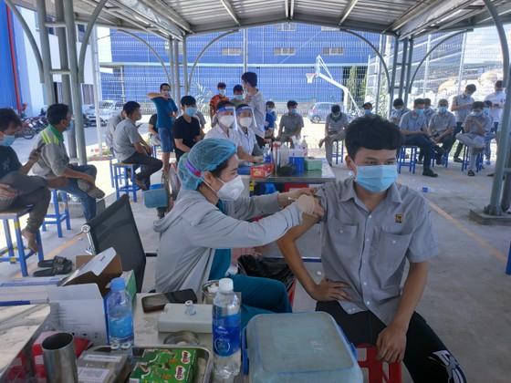 Bình Phước đẩy nhanh tiến độ tiêm vaccine phòng Covid-19 ảnh 1