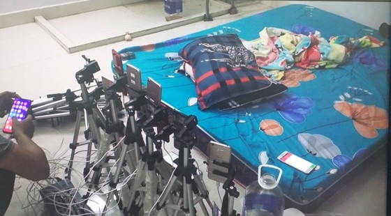 Bắt 5 người Trung Quốc sản xuất phim đồi trụy tại Đà Nẵng ảnh 1