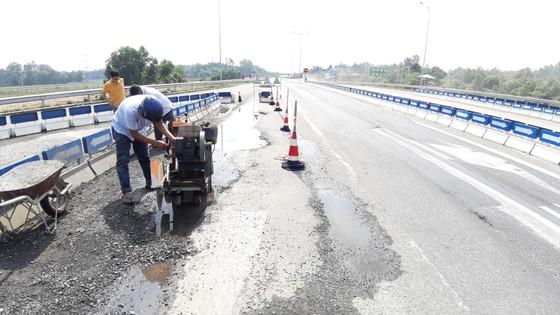Cao tốc Đà Nẵng – Quảng Ngãi liên tục bị hư hỏng ảnh 2