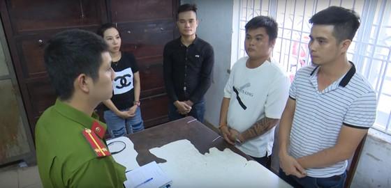 Đà Nẵng: Khởi tố vụ án bắt cóc người khác để ép viết giấy nợ ảnh 1