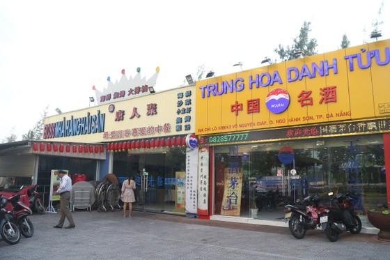 Đà Nẵng: Xử lý 35 trường hợp cửa hàng có bảng hiệu tiếng nước ngoài sai luật ảnh 2