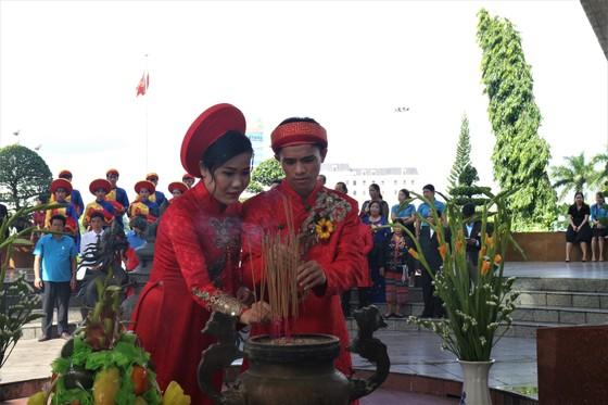 Tổ chức đám cưới tập thể cho công nhân khó khăn ảnh 2