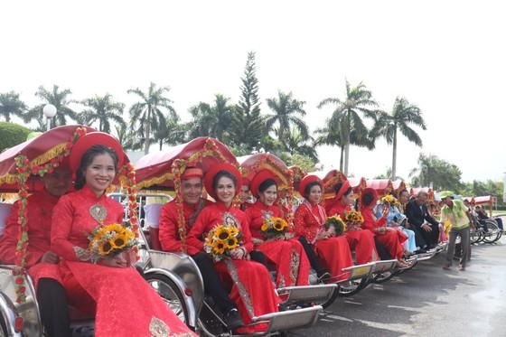Tổ chức đám cưới tập thể cho công nhân khó khăn ảnh 3