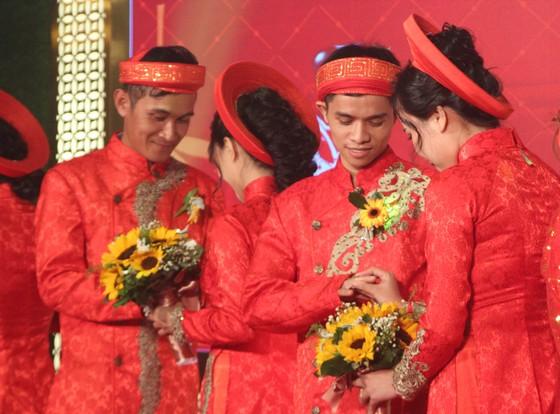 Tổ chức đám cưới tập thể cho công nhân khó khăn ảnh 8