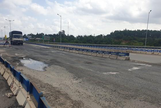 Cao tốc Đà Nẵng – Quảng Ngãi tiếp tục hư hỏng ảnh 2