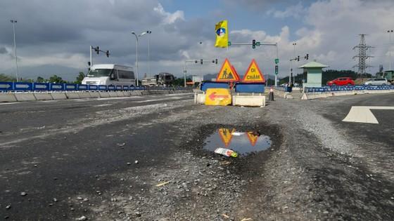 Cao tốc Đà Nẵng – Quảng Ngãi tiếp tục hư hỏng ảnh 1