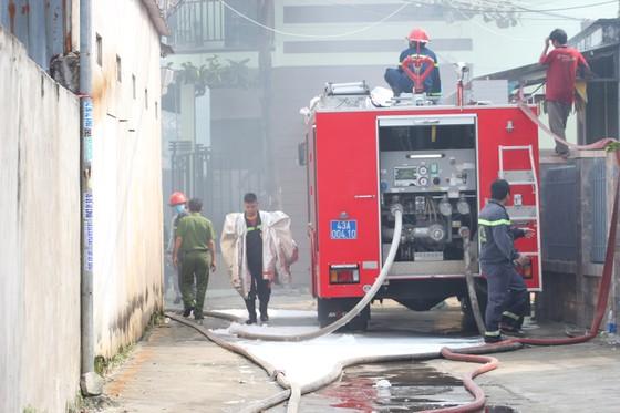 Hàng trăm người căng mình dập đám cháy lớn tại xưởng gỗ ảnh 4