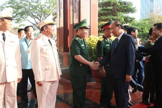 Thủ tướng Nguyễn Xuân Phúc: Đất nước đang chuyển mình mạnh mẽ ảnh 2