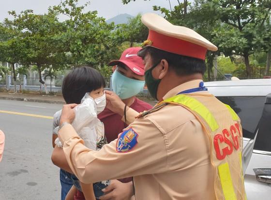Đà Nẵng tăng cường kiểm soát phương tiện vào thành phố ảnh 7