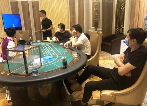 Nhóm người nước ngoài thuê resort ở Đà Nẵng tổ chức đánh bạc ảnh 1