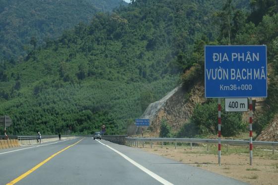 Nhiều điểm nghẽn trên cao tốc La Sơn – Túy Loan  ảnh 5