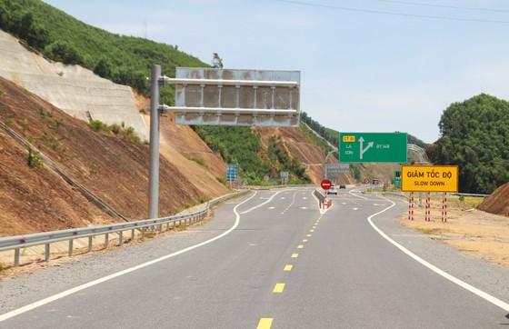 Nhiều điểm nghẽn trên cao tốc La Sơn – Túy Loan  ảnh 1