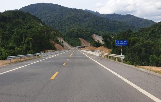 Nhiều điểm nghẽn trên cao tốc La Sơn – Túy Loan  ảnh 8