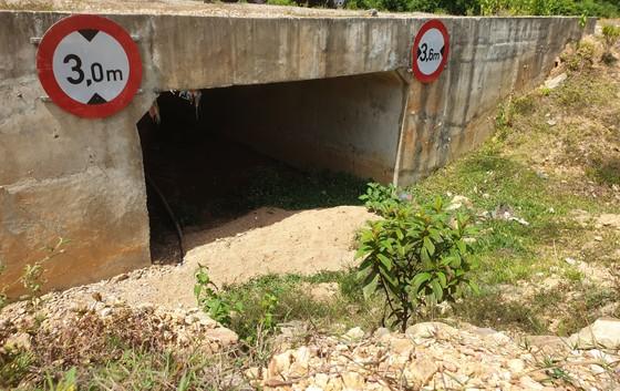 Nhiều điểm nghẽn trên cao tốc La Sơn – Túy Loan  ảnh 6