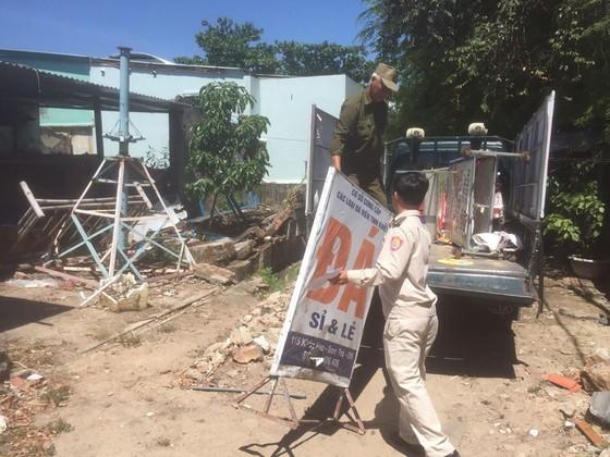 Đà Nẵng ra quân xử lý nạn xin ăn, bán hàng rong biến tướng từ ngày 1-7 ảnh 1