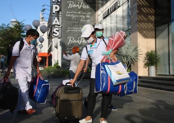 Đoàn y bác sĩ Bình Định ra hỗ trợ Bệnh viện dã chiến Tiên Sơn ảnh 5