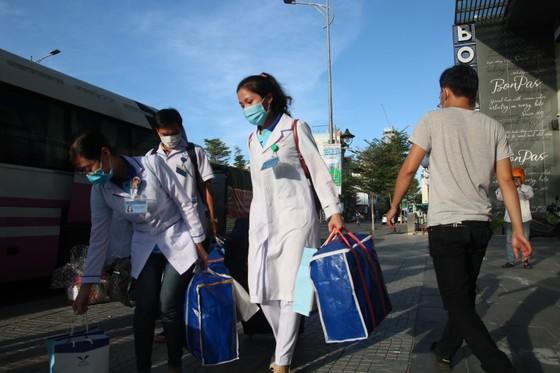 Đoàn y bác sĩ Bình Định ra hỗ trợ Bệnh viện dã chiến Tiên Sơn ảnh 4