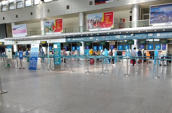 Đưa 207 du khách đầu tiên ở Đà Nẵng trở về địa phương bằng máy bay ảnh 3