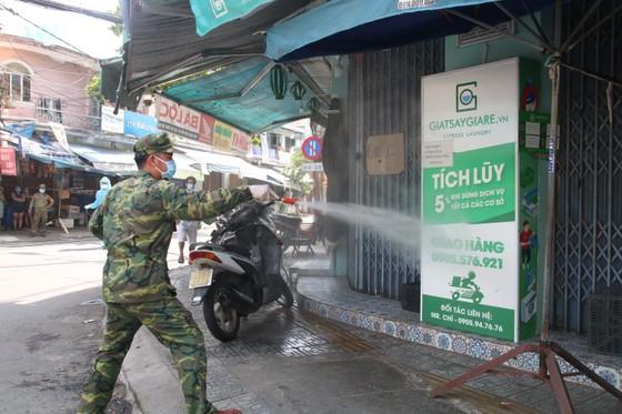 Đà Nẵng tìm những người tiếp xúc với nhân viên Ban Quản lý chợ Lầu Đèn ảnh 2
