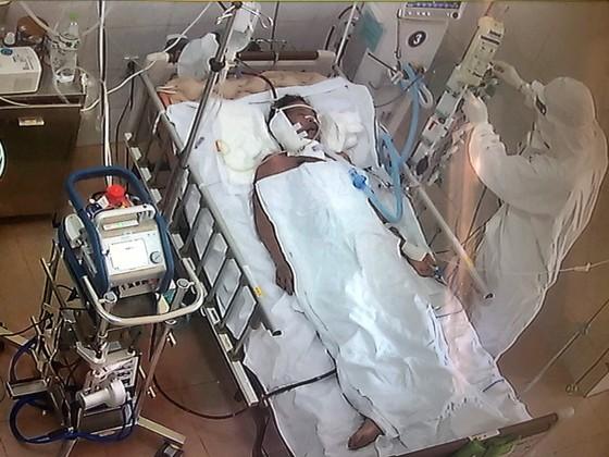 Bệnh nhân 416 đã khỏi Covid-19 nhưng tiên lượng còn rất nặng ảnh 1