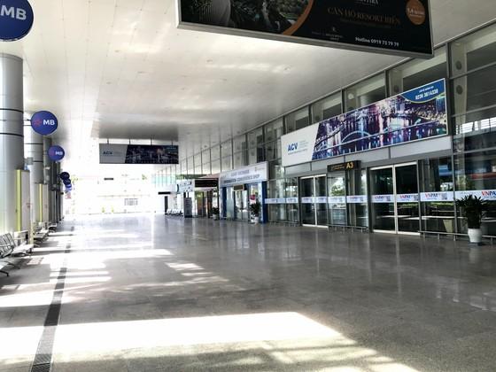 Sân ga, bến xe Đà Nẵng vắng khách ngày đầu khôi phục hoạt động ảnh 9
