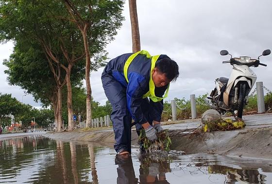 Bão số 5 gây lốc xoáy và mưa lớn nhiều nơi ảnh 22