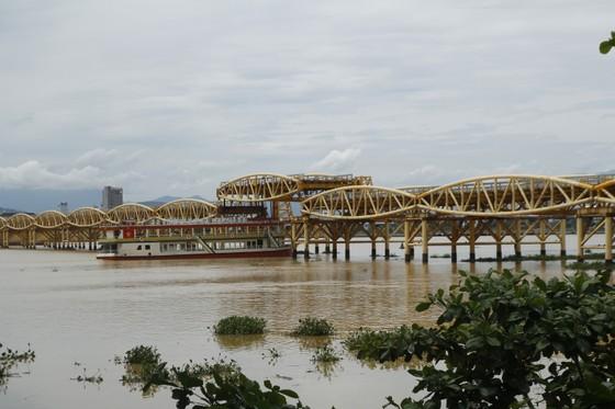 Người dân Đà Nẵng hào hứng xem cầu Nguyễn Văn Trỗi nâng nhịp ảnh 8