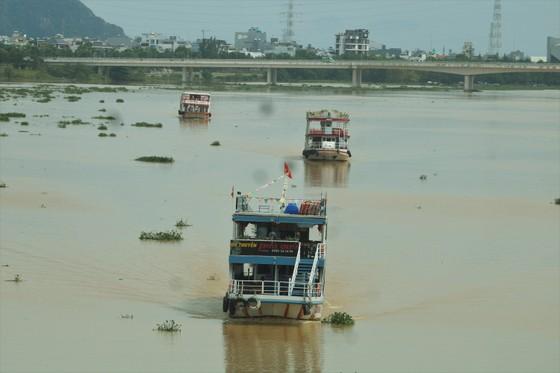 Người dân Đà Nẵng hào hứng xem cầu Nguyễn Văn Trỗi nâng nhịp ảnh 3