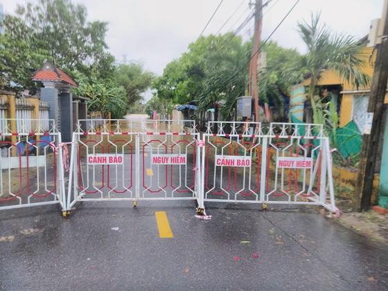 Đà Nẵng sơ tán gần 3.000 người do ảnh hưởng của mưa lũ và bão số 6 ảnh 5