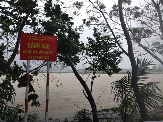 Đà Nẵng sơ tán gần 3.000 người do ảnh hưởng của mưa lũ và bão số 6 ảnh 7