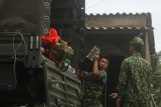 Điều động trực thăng tìm kiếm người mất tích tại thủy điện Rào Trăng 3 ảnh 7