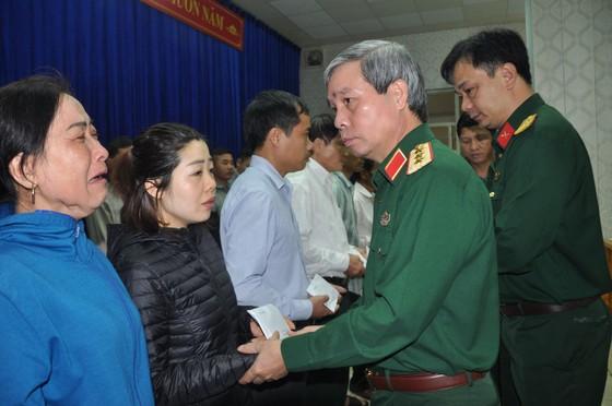 Thượng tướng Đỗ Căn thăm hỏi, động viên thân nhân cán bộ, chiến sĩ Đoàn Kinh tế - Quốc phòng 337 hy sinh ảnh 2