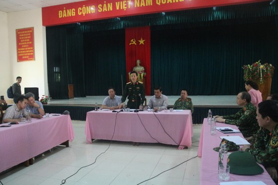 Tiếp cận hiện trường các vụ sạt lở ở Quảng Nam bằng đường bộ và đường thủy ảnh 2
