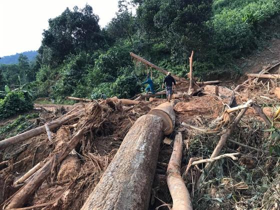 Toàn cảnh thảm họa sạt lở vùi lấp người ở Trà Leng, Trà Vân ảnh 12