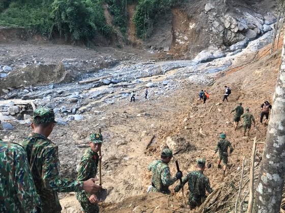 Toàn cảnh thảm họa sạt lở vùi lấp người ở Trà Leng, Trà Vân ảnh 11
