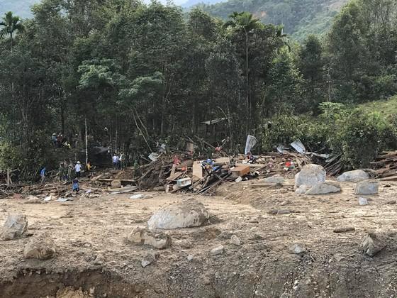 Toàn cảnh thảm họa sạt lở vùi lấp người ở Trà Leng, Trà Vân ảnh 14