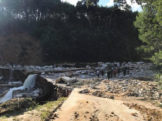 Toàn cảnh thảm họa sạt lở vùi lấp người ở Trà Leng, Trà Vân ảnh 13